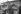 Bouquiniste installé sur les quais de Seine. Paris (Ier arr.), 1963. Photographie d'Harold Chapman (né en 1927). © Harold Chapman / TopFoto / Roger-Viollet