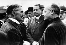 Munich Agreement. Arthur Neville Chamberlain (1869-1940), British politician, greeted by Joachim von Ribbentrop (1893-1946), German politician and diplomat. Munich airfield (Germany), on September 16, 1938. © Roger-Viollet