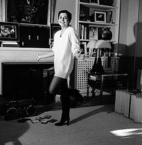 Valentine Petit (born in 1955), daughter of Roland Petit (1924-2011), French choreographer, and Zizi Jeanmaire (born in 1924), French dancer, at home. Paris, January 1980. © Kathleen Blumenfeld / Roger-Viollet