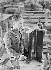Ecole professionnelle Boulle. Fabrication d'un pied de table. Paris (XIIème arr.). Photographie anonyme. Cinémathèque Robert-Lynen, Ville de Paris. © Cinémathèque Robert-Lynen/Roger-Viollet