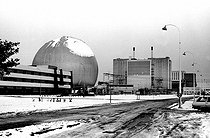 Nuclear power station under the snow. Avoine (surroundings of Chinon, Indre-et-Loire), 1982.    © Roger-Viollet