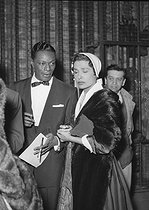 "Nat ""King"" Cole (1919-1965), American pianist and jazz singer, with Lena Horne (1919-1965), American actress and singer. © Roger-Viollet"