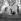 """Guerre 1939-1945. Campeurs de l'auberge de jeunesse du centre laïque """"Nouveaux Horizons"""". France, décembre 1940. Photographie de Roger Berson. © Roger Berson/Roger-Viollet"""