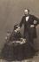 La reine Victoria d'Angleterre (1819-1901) et le prince consort Albert de Saxe-Cobourg-Gotha (1819-1861), vers 1860. © Alinari / Roger-Viollet
