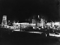 Night view of a nuclear power station. Calder Hall (Cumberland, England), 1956. © Jacques Boyer/Roger-Viollet
