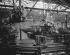 Usines Renault de Boulogne-Billancourt (Hauts-de-Seine). Chaîne de montage de moteurs, vers 1946-1948. © Pierre Jahan/Roger-Viollet