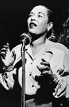 Billie Holiday (1915-1959), chanteuse de jazz américaine, 1954. © Ullstein Bild / Roger-Viollet