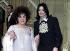 Michael Jackson (1958-2009), chanteur américain, et Elizabeth Taylor (1932-2011), actrice américaine. Londres (Angleterre), 26 mai 2000. Photo Karl Prouse.  © TopFoto / Roger-Viollet