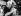 """Ronald Arthur Biggs (Ronnie, 1929-2013), voleur britannique et """"cerveau"""" de l'attaque du train postal Glasgow-Londres en 1963, participant au carnaval pendant sa fuite à Rio de Janeiro (Brésil), 1988. © TopFoto / Roger-Viollet"""