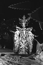 """Turandot"", opera by Giacomo Puccini. Direction : Margarete Wallmann. Conductor : Seiji Ozawa. Stage design and costumes : Jacques Dupont. Montserrat Caballe. Paris Opera, May 1981. © Colette Masson / Roger-Viollet"