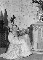 Josephine de Beauharnais (1763-1814) drawing the portrait of her husband Napoleon Bonaparte, First Consul, from a bust. Engraving. © Roger-Viollet