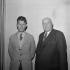 """Samuel Beckett (1906-1989), écrivain irlandais, lors d'une répétition de """"En attendant Godot"""", 1956. Photo colorisée. © Boris Lipnitzki/Roger-Viollet"""