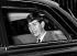 Le prince Charles (né en 1948), quittant le palais de Buckingham pour le château de Windsor. Londres (Angleterre), 2 avril 1965. © PA Archive/Roger-Viollet