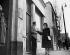 Campagne électorale de Margaret Roberts (future madame Thatcher), femme politique britannique. Grande-Bretagne, 1950.  © TopFoto / Roger-Viollet