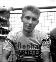 Jacques Anquetil ( 1934-1987 ), French racing cyclist. © Roger-Viollet