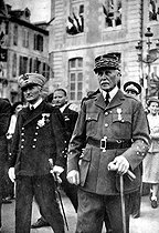 Marshal Philippe Pétain (1856-1951) and Admiral François Darlan (1881-1942), in Vichy (Allier). © Albert Harlingue/Roger-Viollet