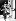 Le général De Gaulle (1890-1970), quittant son hôtel le matin du Jour J. Londres (Angleterre), 6 juin 1944. © TopFoto/Roger-Viollet