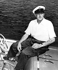 Juan de Borbón y Battenberg (1913-1993), prince espagnol et père de Juan Carlos, à bord d'un bateau. Zoagli (Italie), 1951. © TopFoto/Roger-Viollet