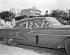 Soldats du Mouvement du 26 juillet patrouillant dans une voiture ayant appartenu à Batista. La Havane (Cuba), janvier 1959.  © Saavedra/The Image Works/Roger-Viollet