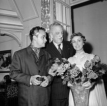 "Raymond Pellegrin, Henry Bernstein and Danielle Darrieux, after a performance of ""Evangéline"". Paris, Théâtre des Ambassadeurs, September 1952. © Studio Lipnitzki / Roger-Viollet"