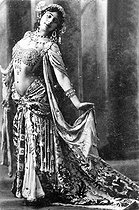 Mata Hari (1876-1917), Dutch dancer and adventuress. © Roger-Viollet