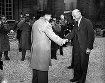 Robert Schuman (1886-1963), French Prime Minister, greeting Bernard Montgomery (1887-1976), Bernard Montgomery (1887-1976), Field Marshal of the British Army. Paris, Hôtel Matignon, on July 9, 1948. © Roger-Viollet