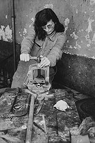 Female plumber. Reims (France), 1982. Photograph by Janine Niepce (1921-2007). © Janine Niepce/Roger-Viollet