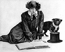 Colette (1873-1954), French writer, with Toby-dog and Willy hat, 1905. © Albert Harlingue/Roger-Viollet