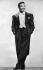 Sugar Ray Robinson (1921-1989), boxeur américain, en habit de chanteur. 1959. © Ullstein Bild / Roger-Viollet