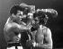 12ème round du match entre Mohamed Ali (Cassius Marcellus Clay, 1942-2016), boxeur américain, et Joe Bugner (né en 1950), boxeur hongrois naturalisé australien. Las Vegas (Etats-Unis), 12 février 1973.   © Ullstein Bild / Roger-Viollet