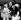John Lennon (1940-1980), chanteur anglais, son épouse Yoko Ono (née en 1933), artiste japonaise et Kyoko Cox (née en 1963), fille de Yoko Ono et d'Anthony Cox. Aéroport de Londres (Angleterre), 18 mai 1969. © PA Archive / Roger-Viollet