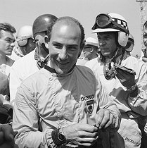 Stirling Moss (born in 1929), British racing driver, winner of the Monaco Grand Prix, on May 29, 1960. © Noa / Roger-Viollet
