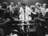 Mohamed Ali (anciennement Cassius Marcellus Clay, 1942-2016), boxeur américain, répondant aux journalistes à la fin d'un combat, 30 septembre 1980. © Sven Simon / Ullstein Bild / Roger-Viollet