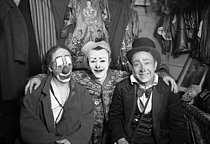 The Fratellini Brothers, Albert, François and Paul, Italian-born French clowns, in their dressing room of the Medrano Circus. © Albert Harlingue / Roger-Viollet