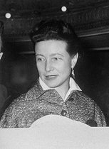 Simone de Beauvoir ( 1908-1986 ), French writer. On 1955. © Boris Lipnitzki/Roger-Viollet