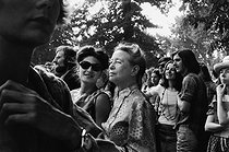 Simone de Beauvoir (1909-1986), French woman of letters, at the feminists' gathering organized by the MLF (Women's Liberation Movement), with her adopted daughter Sylvie Le Bon, philosophy teacher. Vincennes (France), June 17th, 1973. Photograph by Janine Niepce (1921-2007). © Janine Niepce/Roger-Viollet
