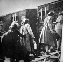 World War II. Jews from the Warsaw Ghetto leaving for concentration camps, 1942-1943.     © Roger-Viollet