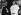Le Dalaï-lama (né en 1935), chef religieux des Tibétains en compagnie du pape Jean-Paul II (1920-2005). 1er juin 1990. © Ullstein Bild / Roger-Viollet