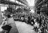 Évènements de Mai-juin 1968. Les ouvriers en grève de l''usine Citroen à Balard et leur famille sont venus voir le Théâtre Gérard Philippe, de la ville de Saint-Denis, qui lui aussi en grève est venu donner une représentation gratuite. Paris, 26 mai 1968. Photographie de Georges Azenstarck (né en 1934). © Georges Azenstarck / Roger-Viollet