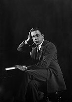 Francis Poulenc (1899-1963), French composer and pianist.    © Studio Lipnitzki/Roger-Viollet