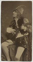 "Sarah Bernhardt (1844-1923), French stage actress, wearing a troubadour costume for the role of Zanetto in the play ""Le Passant"" by François Coppée, 1869. Paris, Bibliothèque Marguerite Durand.  © Bibliothèque Marguerite Durand/Roger-Viollet"