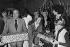 Noël de l'Hôtel de Ville de Paris. Tino Rossi (1907-1983), acteur et chanteur français, et Sheila (née en 1946), chanteuse française. Paris, décembre 1977. © Jacques Cuinières / Roger-Viollet
