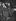 Colette (1873-1954), écrivain français et Edouard Herriot (1872-1957), homme politique et écrivain français, remettant le Grand Prix du Disque à Edith Piaf. Paris, 11 juin 1952. © Roger-Viollet