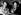 Sir Edmund Hillary (1919-2008), alpiniste et explorateur néo-zélandais et le Sherpa Khumjo Chumdi, en voiture après avoir rendu visite à la reine d'Angleterre à Buckingham Palace. Londres, décembre 1960.      © Ullstein Bild / Roger-Viollet