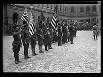 "World War I. Ceremony for the American Independence Day in the courtyard of the Invalides. Paris, on July 4, 1917. Photograph published in the newspaper ""Excelsior"", on July 5, 1917. © Excelsior – L'Equipe/Roger-Viollet"