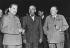 Guerre 1939-1945. Joseph Staline, Harry Truman et Winston Churchill, lors de la conférence de Potsdam (Allemagne), 17 juillet 1945. © Alinari/Roger-Viollet