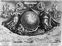 Discovery of America. Print by Jean Stradan, Brugues with medallion portrait of Amerigo Vespucci and Christopher Colombus, Italian explorers. © Jacques Boyer / Roger-Viollet