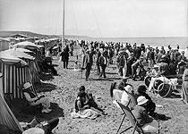 Deauville (Calvados). The beach, around 1920-1925.  © CAP / Roger-Viollet