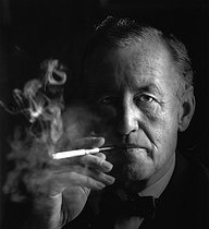Ian Fleming (1908-1964), English writer. London (England), 1963. Photograph by Horst Tappe (1938-2005). © Fondation Horst Tappe / KEYSTONE Suisse / Roger-Viollet