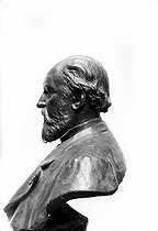 Antoine Joseph Sax (known as Adolphe, 1814-1894), Belgian musician and instrument maker, creator of saxophone. Sculpture-bust. © Roger-Viollet